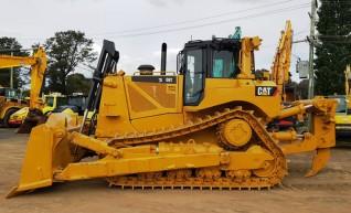 CAT D8T Bulldozer 1