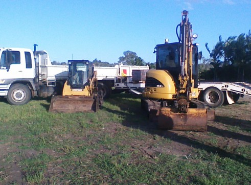 Cat skid Steer & excavator Combo 1