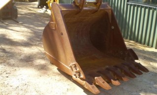 CATERPILLAR 1280MM Bucket to suit 20-30T 1