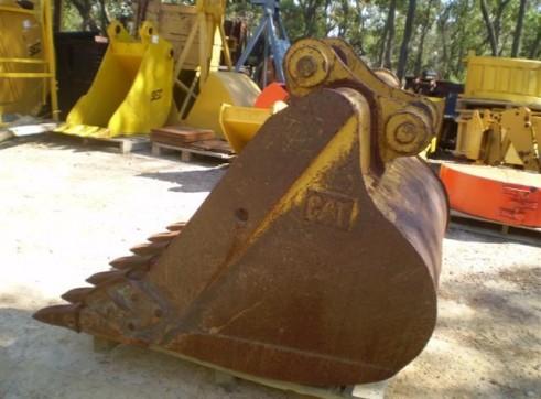 CATERPILLAR 1280MM Bucket to suit 20-30T 4