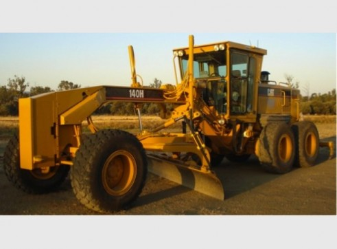 Caterpillar 140H Series 2 Grader 1