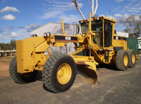 Caterpillar 140H Tier 2 Grader 1