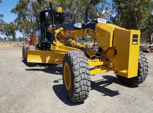 Year 2018 Caterpillar Model 140M Grader 4