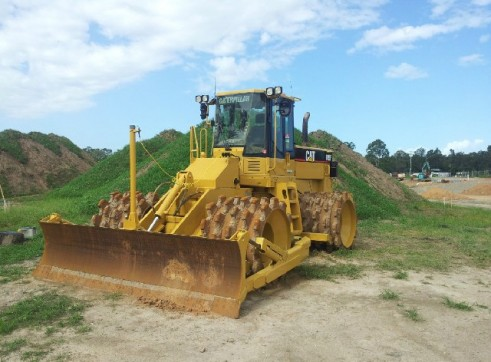 Caterpillar 21T 815F Compactor - Mine Spec 3