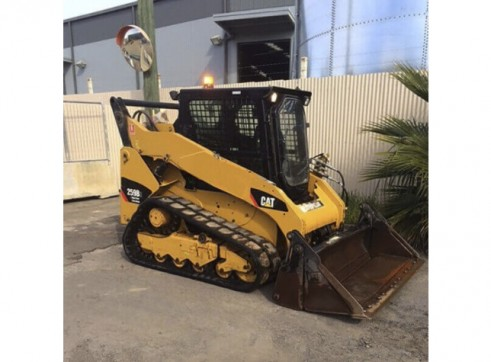 Caterpillar 259B Tracked Loader with a/c cab 3