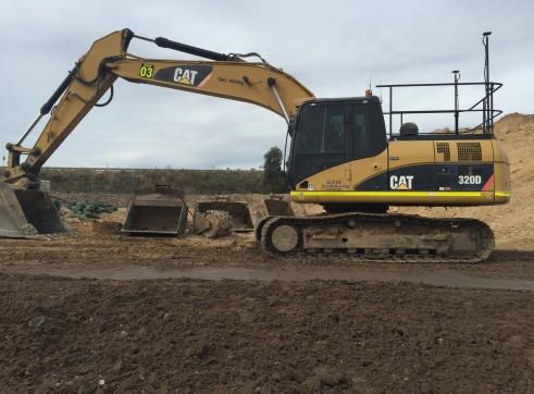 Caterpillar 320D Excavator 1