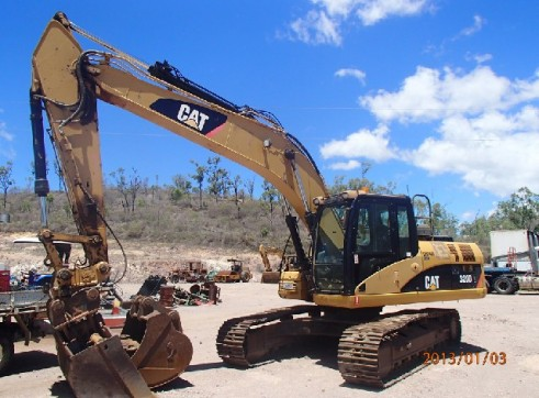 Caterpillar 320D Excavator 20T Available for Hire 1