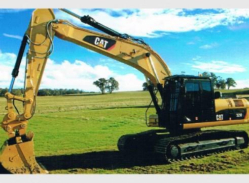 Caterpillar 329 Excavator 1