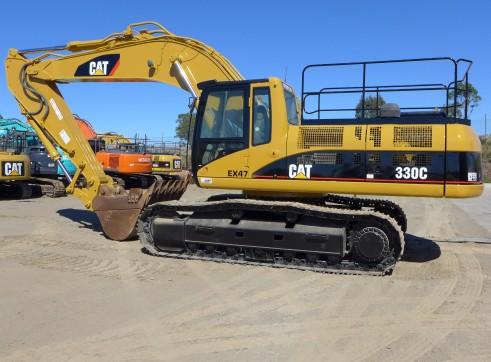 Caterpillar 330 Excavator 3