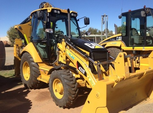 Caterpillar 432E Backhoe Loader  1