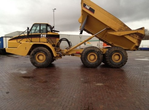 Caterpillar	 740 Artic Dump Truck 1