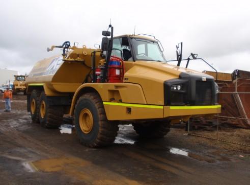 Caterpillar 740-B Water Cart 3