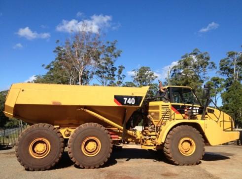 Caterpillar 740 Dump Truck 2