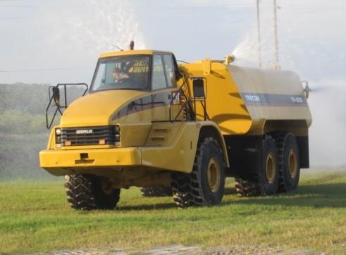Caterpillar 740 Service Truck
