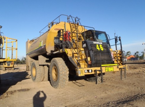 Caterpillar 773-F Service Truck 2