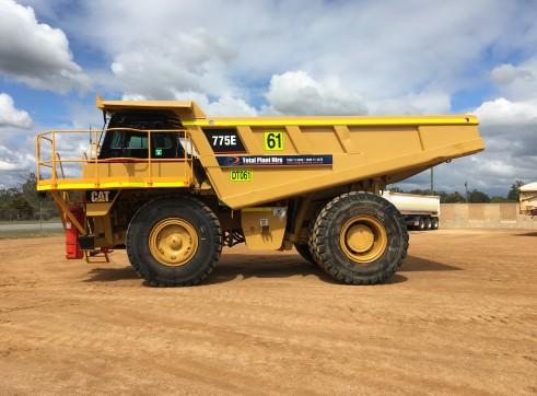 Caterpillar 775E Dump Truck 2