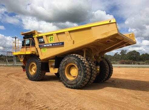 Caterpillar 775E Dump Truck 3