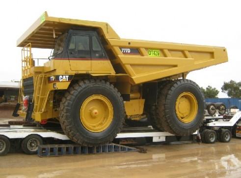 Caterpillar 777D Dump Truck 1