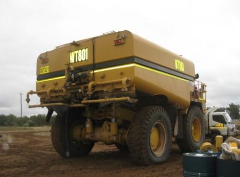 Caterpillar 777D Water Truck 3