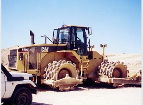 Caterpillar 825G Compactor 1