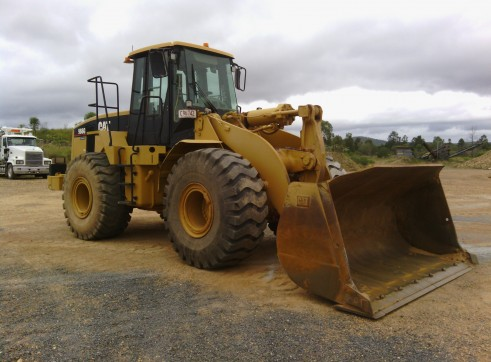 Caterpillar 966G Wheel Loader 1