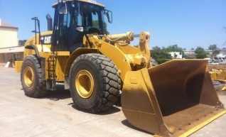 Caterpillar 966H Wheel Loader 1
