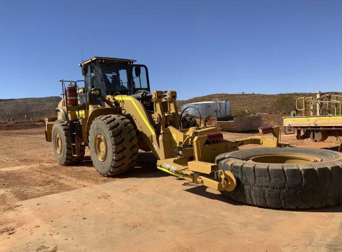 Caterpillar 980M Tyre Handler 1