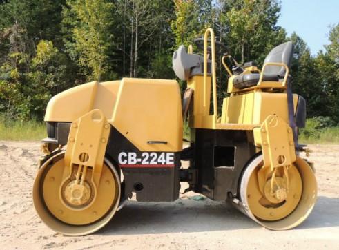 Caterpillar CB224E Smoothdrum Roller