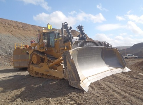 Caterpillar D11 Dozer Tracked 1