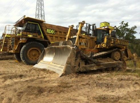 Caterpillar D11R Dozer 1
