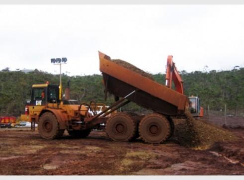 Caterpillar D400E Articulated Dump Truck 2