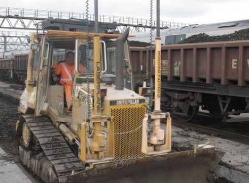Caterpillar D4H Dozer - Hi-rail 1
