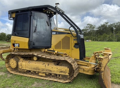 Caterpillar D5K Dozer 1