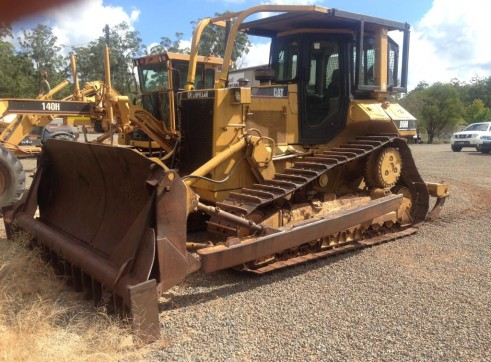 Caterpillar D6M Bulldozer 2