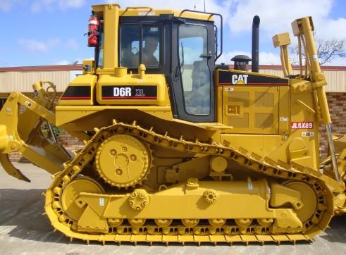 Caterpillar D6R Dozer- PAT Blade 2