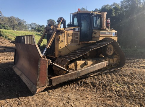 Caterpillar D6R LGP III Dozer for hire 1