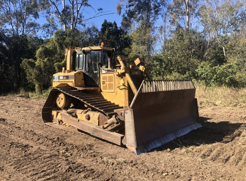 Caterpillar D6R LGP III Dozer for hire 2