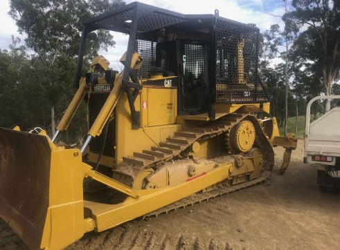 Caterpillar D6R XL Dozer 2
