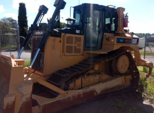 Caterpillar D6T XL Dozer 4