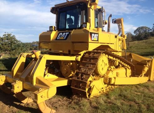 Caterpillar D6T XL Crawler Dozer 1