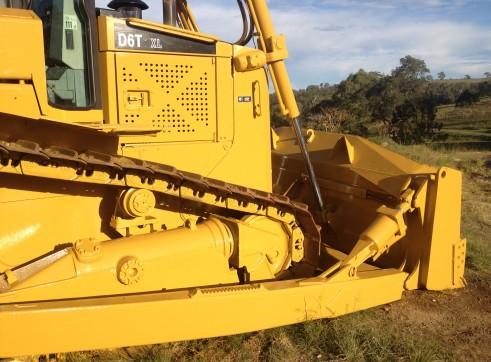 Caterpillar D6T XL Crawler Dozer 4