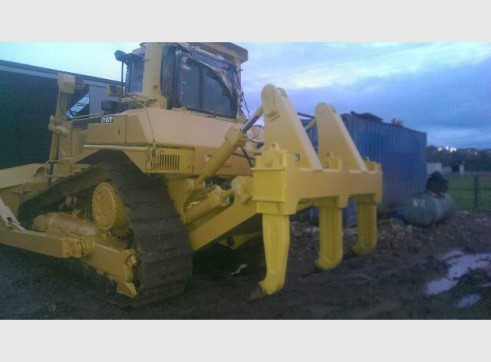 Caterpillar D7R conventional Bulldozer 1