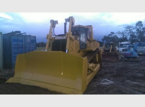 Caterpillar D7R conventional Bulldozer 2