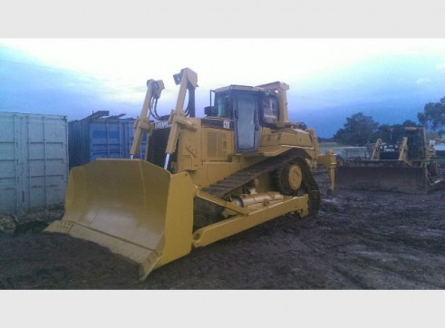 Caterpillar D7R conventional Bulldozer 3