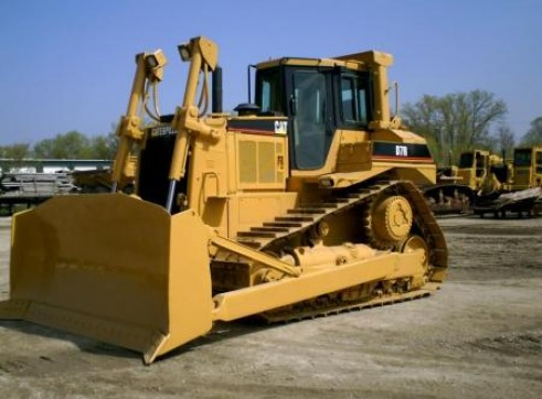 Caterpillar D7R Dozer 1