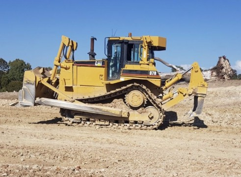 Caterpillar D7R Dozer - Series II 2