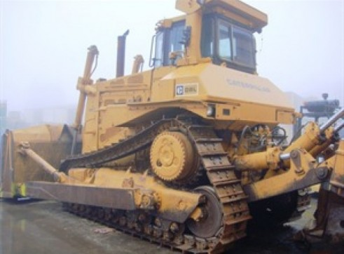 CATERPILLAR D8L Dozer 3