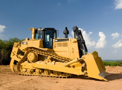 Caterpillar D8R Dozer 1