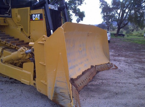 Caterpillar D9R Dozer 1