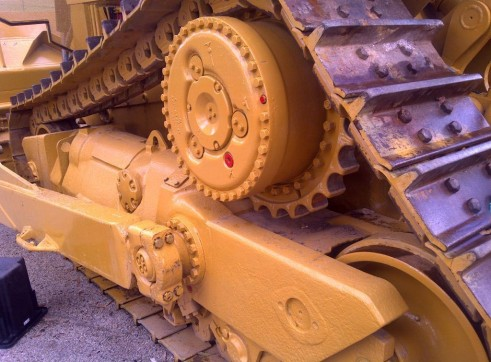 Caterpillar D9R Dozer 3
